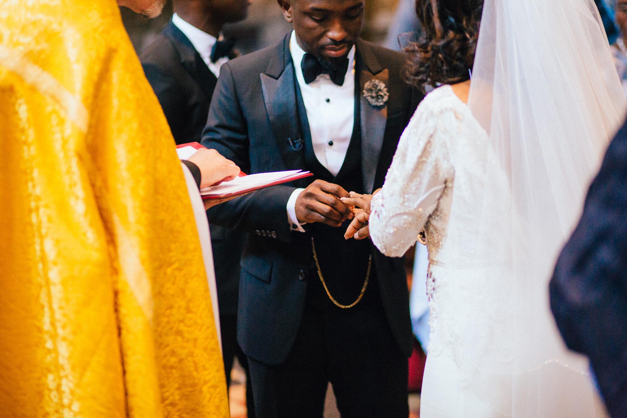 london-wedding-photographer-nigerian-montecalm-stbartholemew-plaisterers-61.jpg