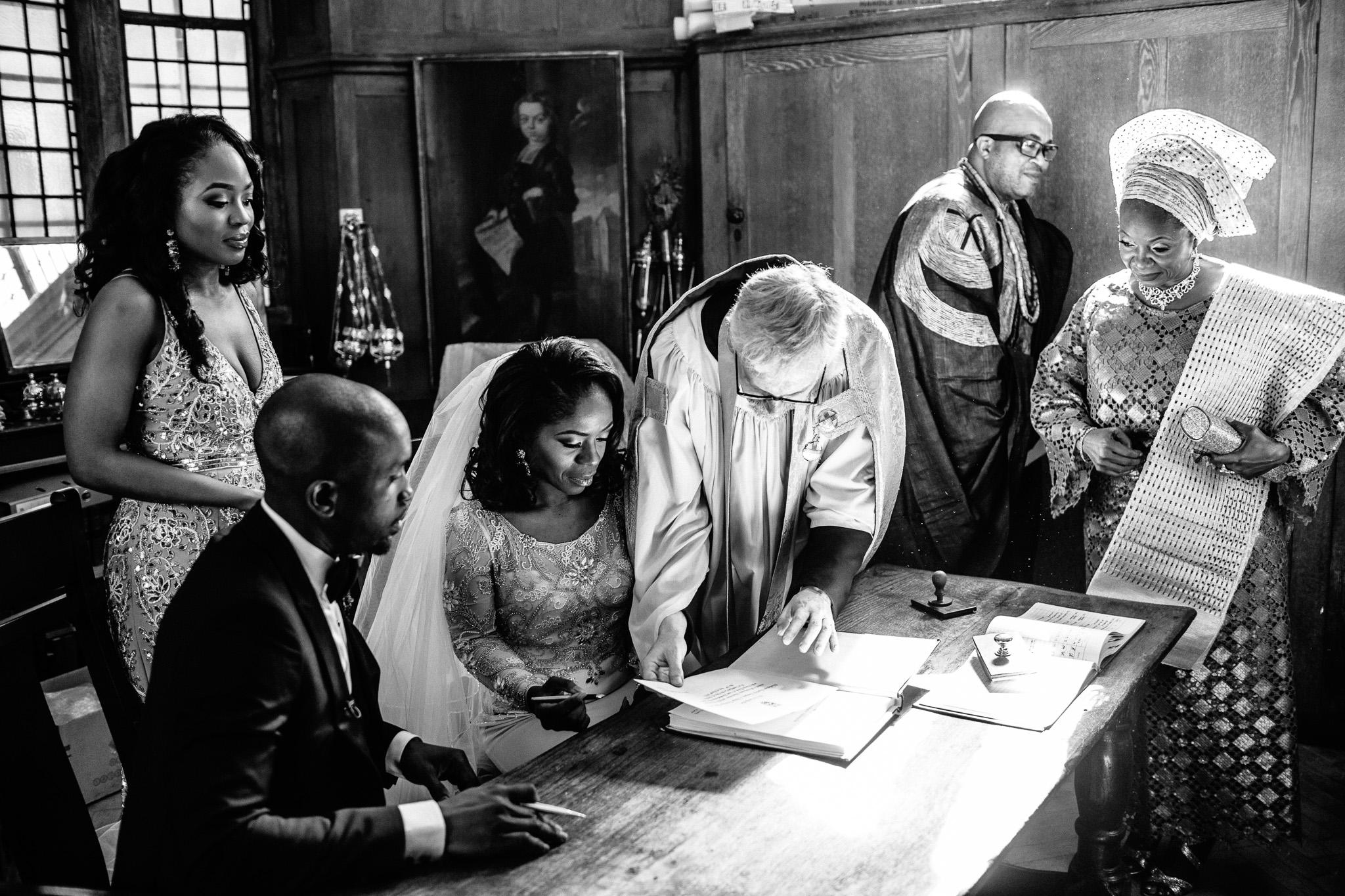 london-wedding-photographer-nigerian-montecalm-stbartholemew-plaisterers-67.jpg