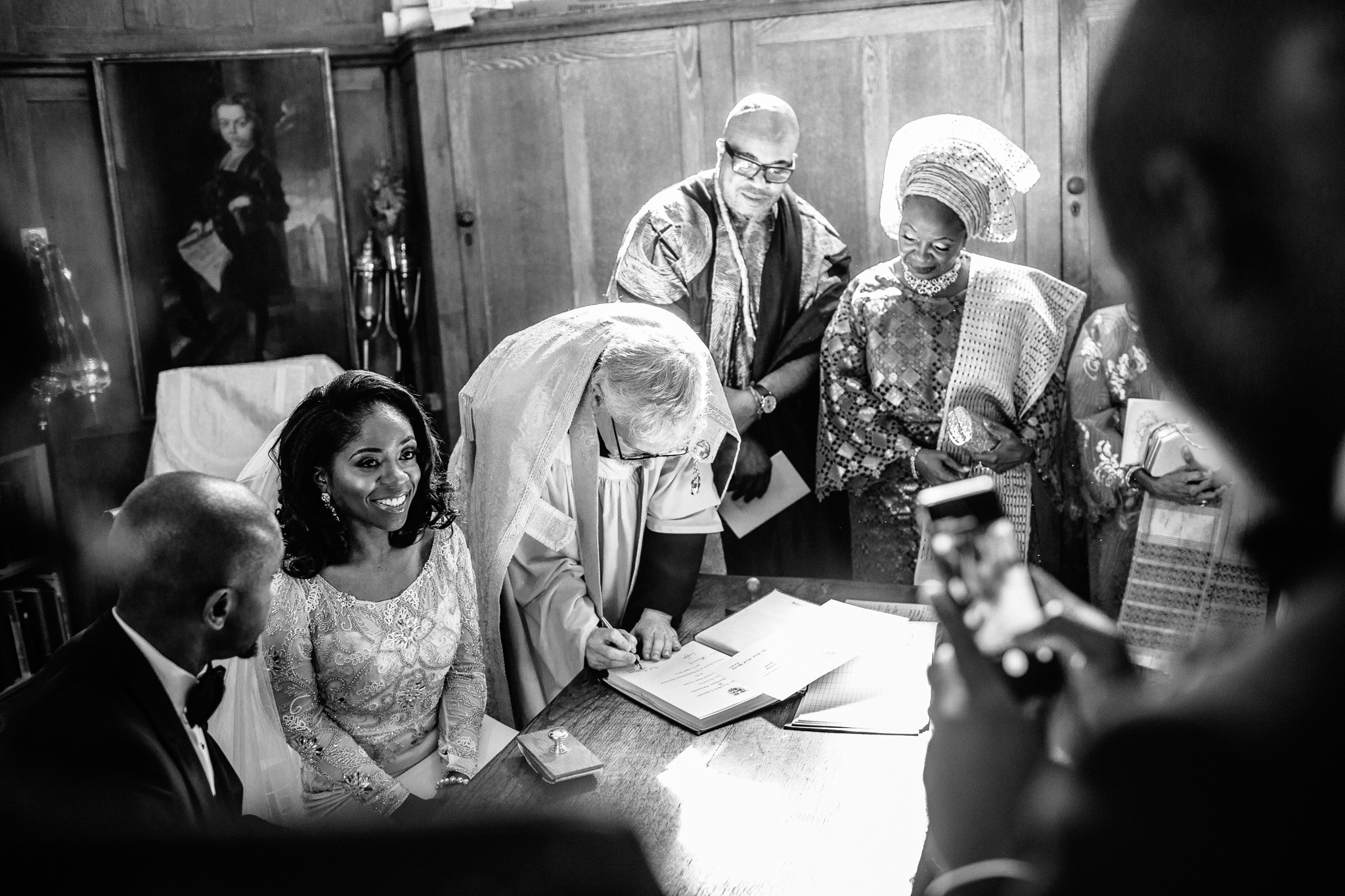 london-wedding-photographer-nigerian-montecalm-stbartholemew-plaisterers-68.jpg