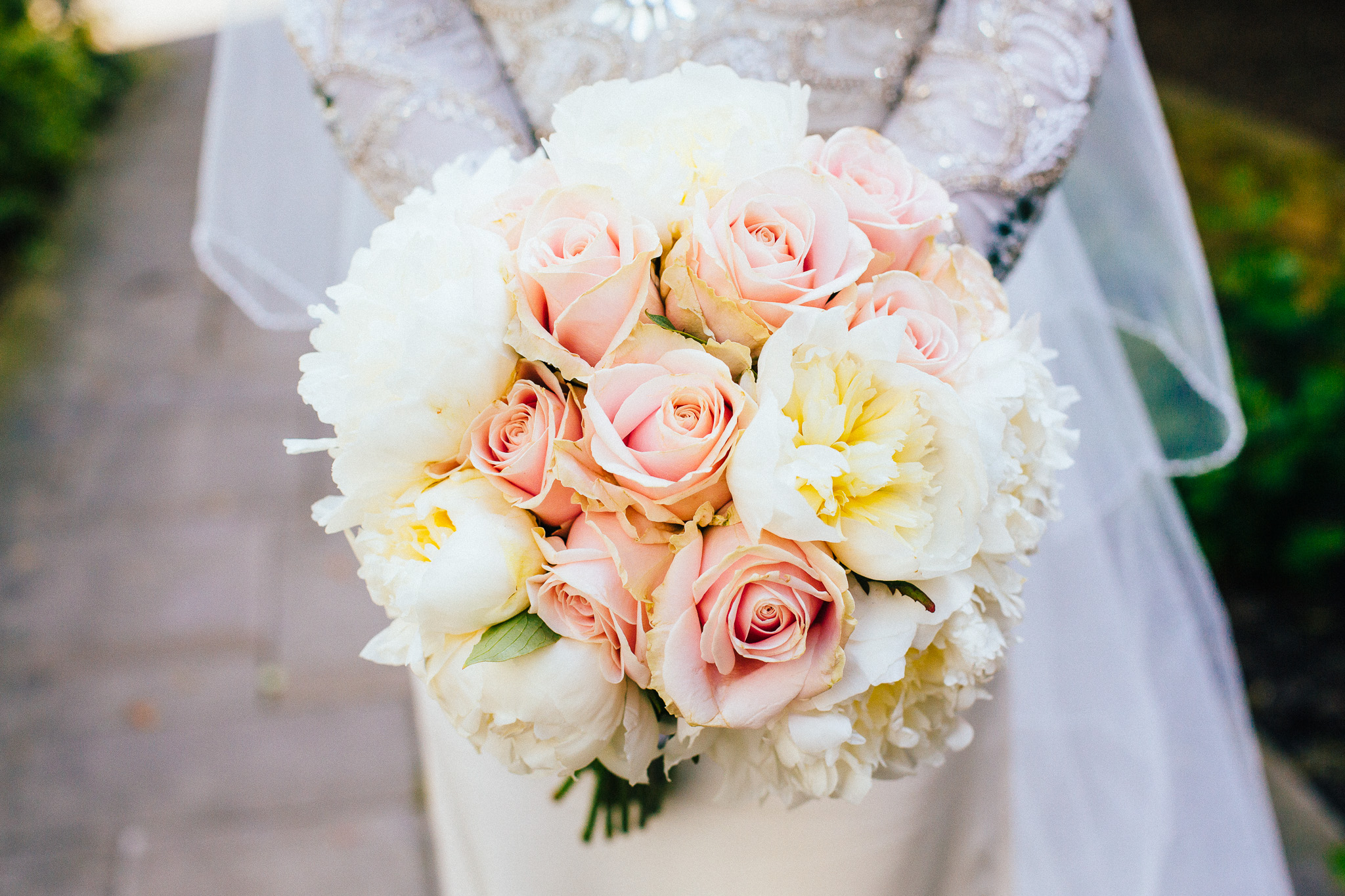 floral wedding bouquet pastel bride