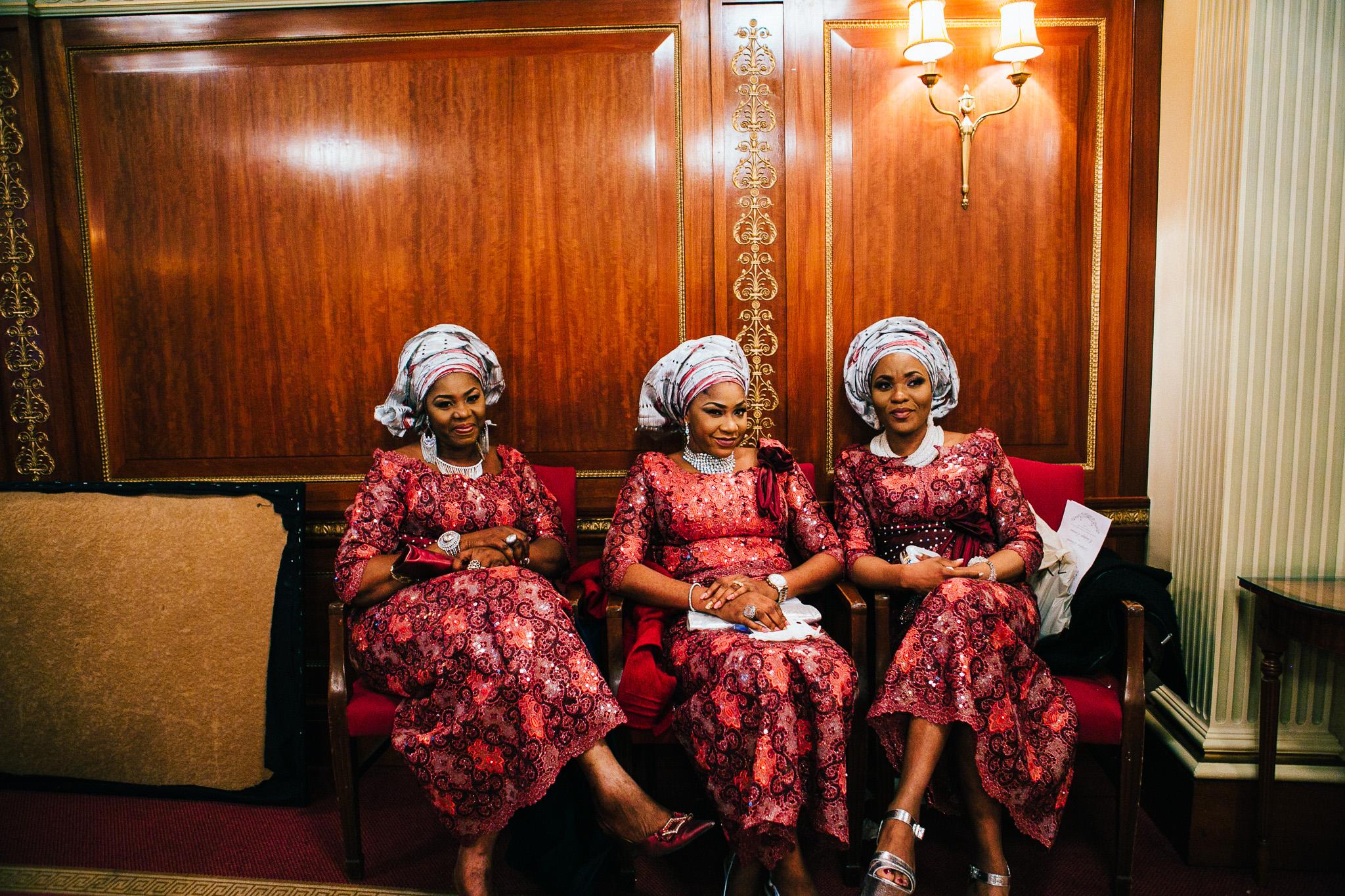 london-wedding-photographer-nigerian-montecalm-stbartholemew-plaisterers-92.jpg