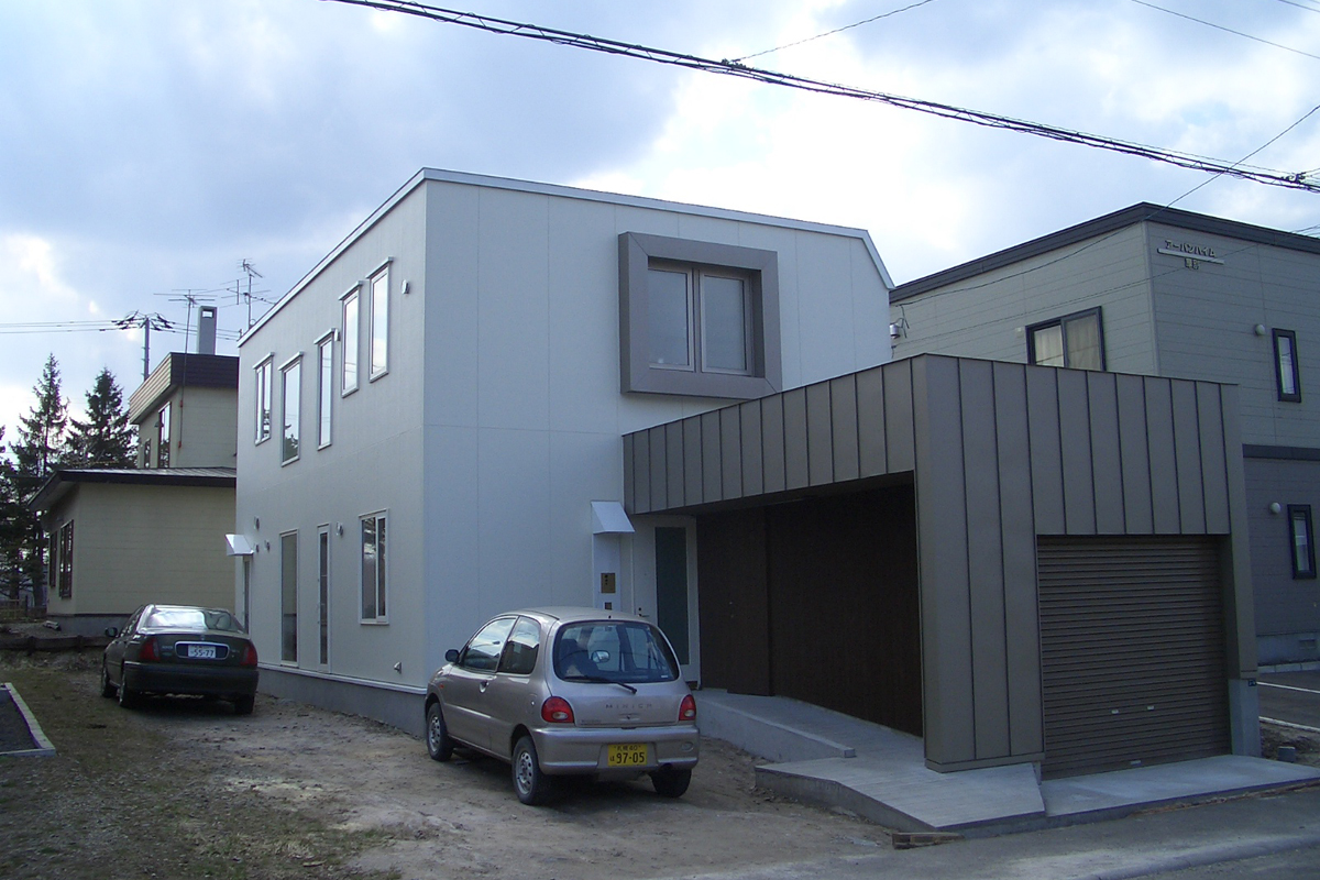 Momo House 2006