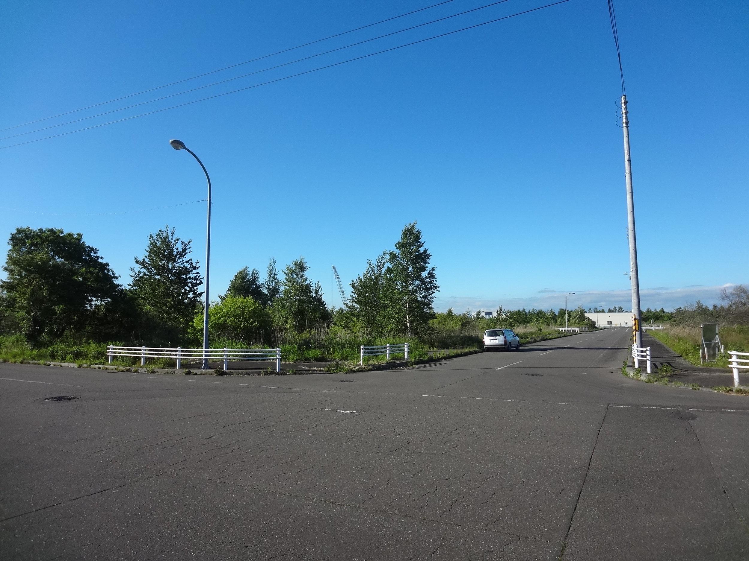 準工業地域にあるとても大きな敷地です。空が広い!