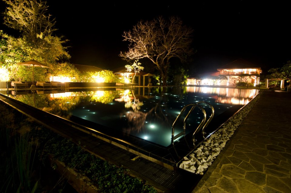 ulagalla-pool-night.jpg