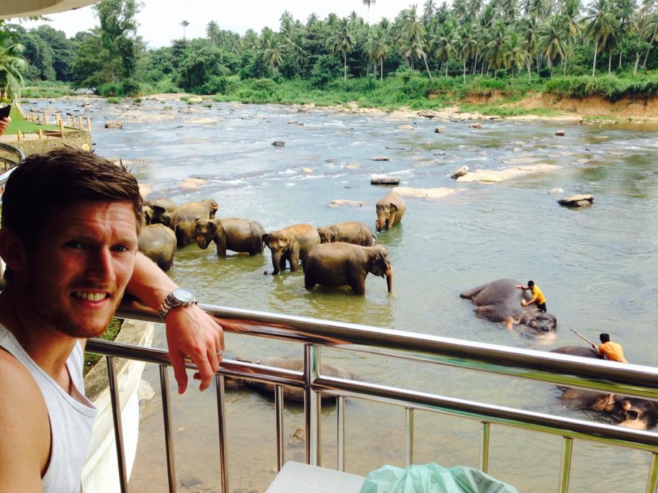 pinnawala-elephant-orphanage-sri-lanka-invite-to-paradise-honeymoon-couple-4.jpg