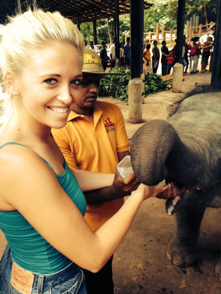pinnawala-elephant-orphanage-sri-lanka-invite-to-paradise-honeymoon-couple-6.jpg