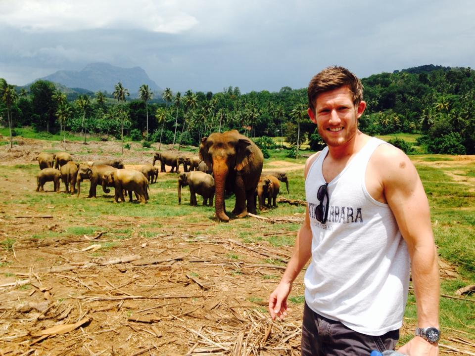 pinnawala-elephant-orphanage-sri-lanka-invite-to-paradise-honeymoon-couple-9.jpg
