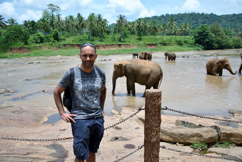 pinnawala-elephant-orphanage-sri-lanka-invite-to-paradise-honeymoon-couple-20.jpg