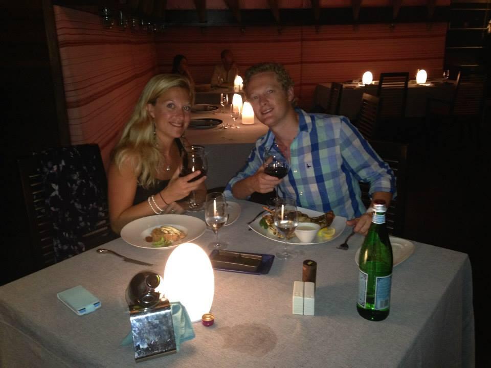 invite-to-paradise-customer-honeymoon-maldives-dinner.jpg