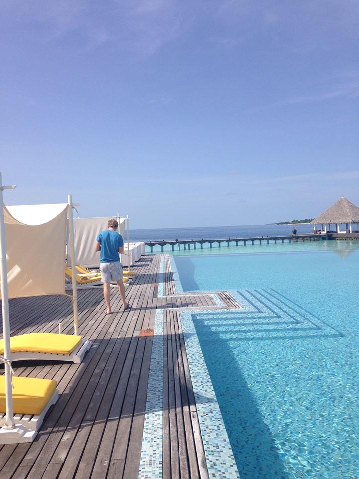 invite-to-paradise-customer-honeymoon-maldives-pool-1.jpg