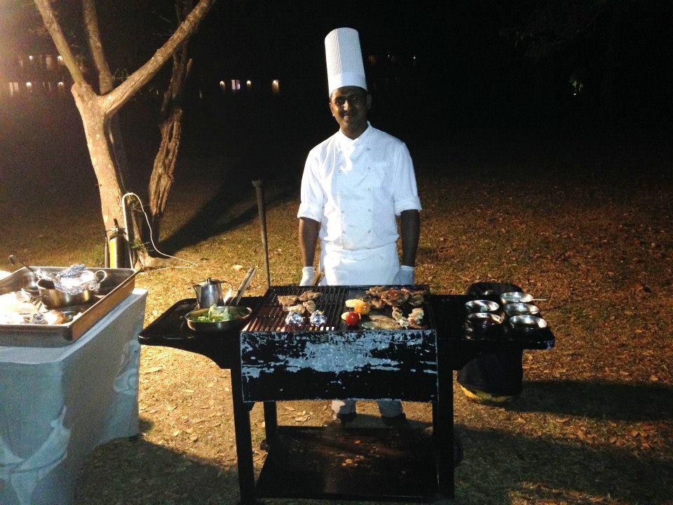 invite-to-paradise-customer-honeymoon-maldives-chef.jpg