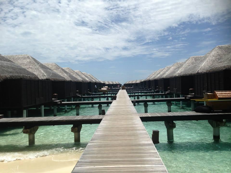 invite-to-paradise-customer-honeymoon-maldives-water-villa-3.jpg