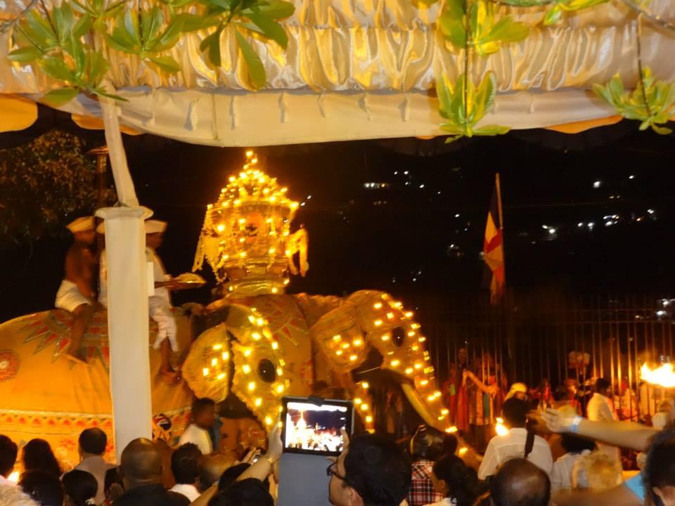 invite-to-paradise-customer-c-honeymoon-sri-lanka-maldives-festival.jpg