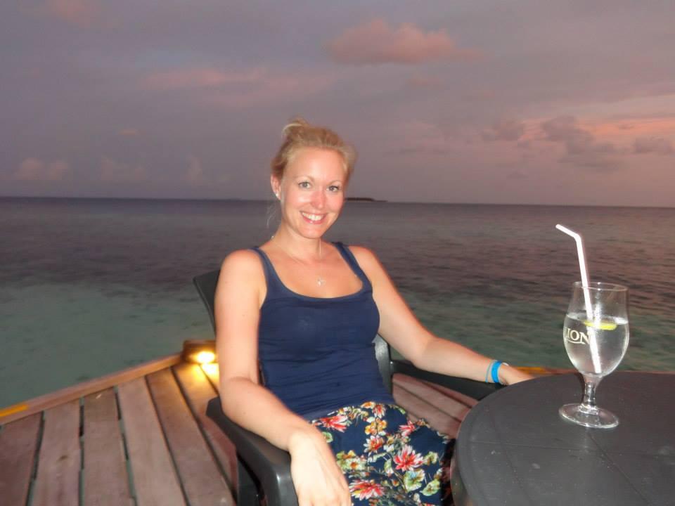 invite-to-paradise-customer-c-honeymoon-sri-lanka-maldives-bar.jpg