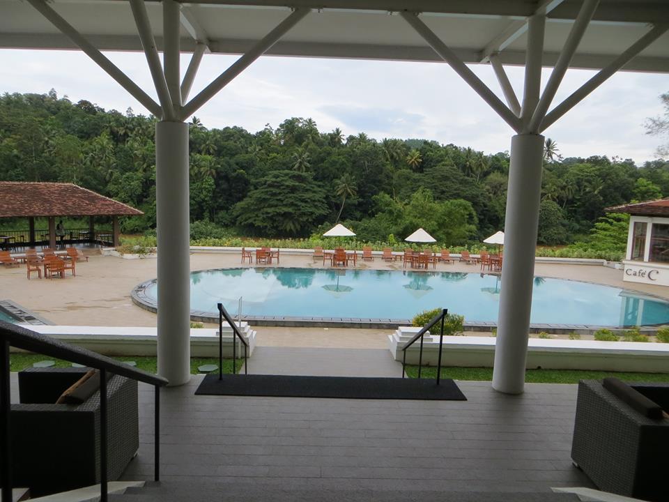invite-to-paradise-holiday-honeymoon-sri-lanka-couple-october-46.jpg
