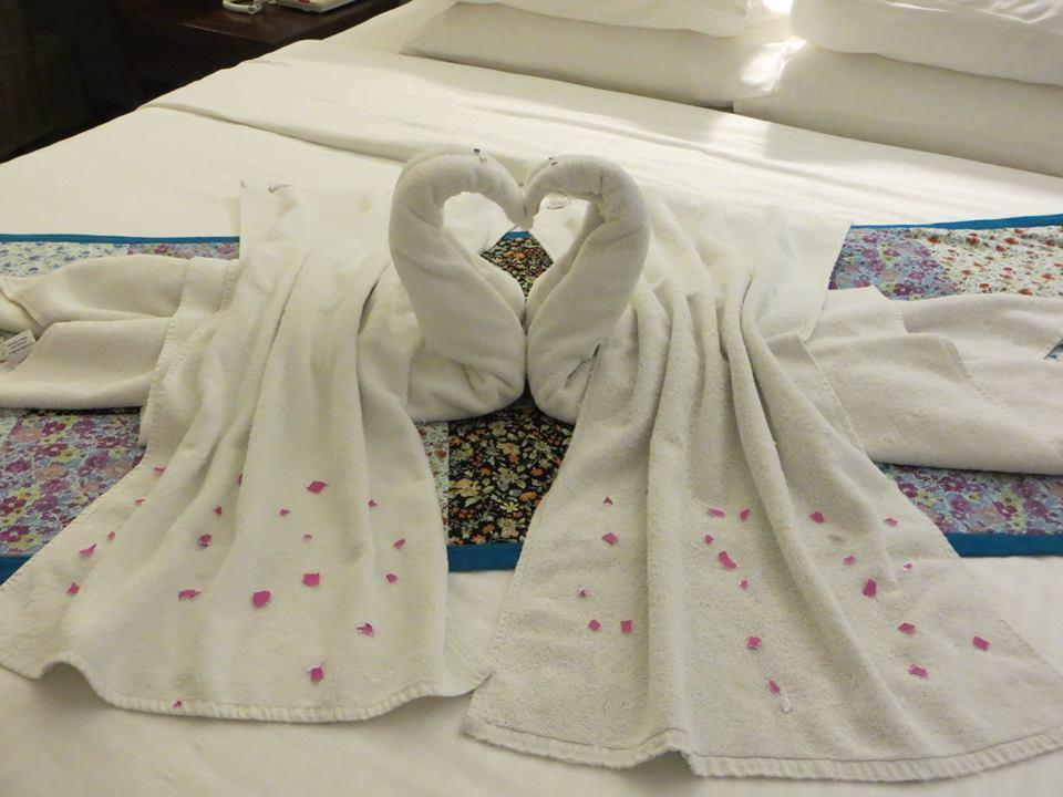 invite-to-paradise-holiday-honeymoon-sri-lanka-couple-october-2.jpg