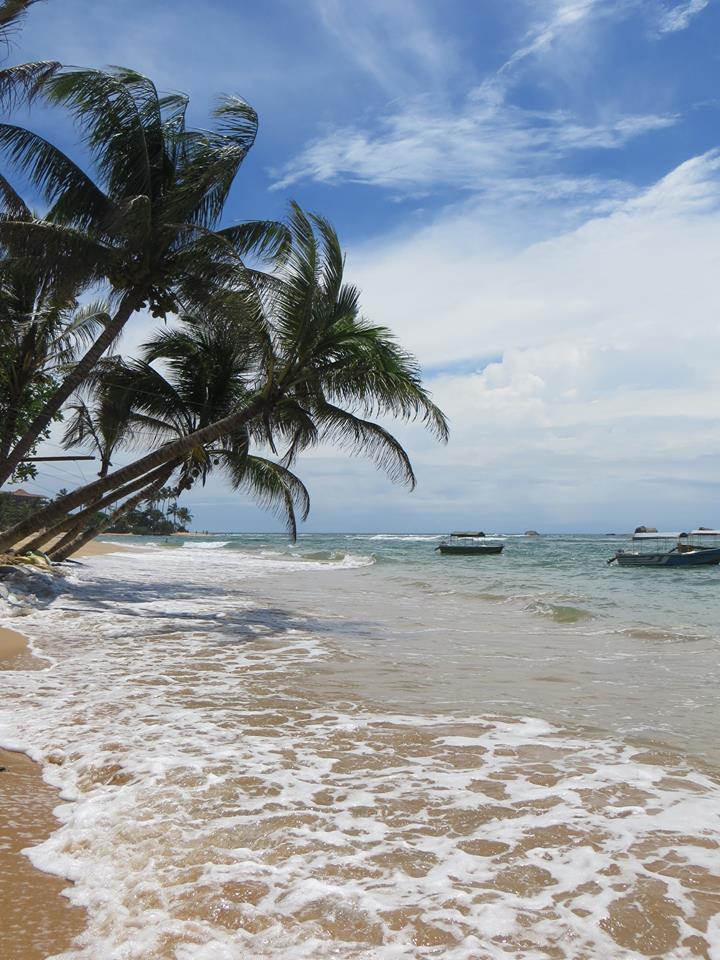 invite-to-paradise-holiday-honeymoon-sri-lanka-couple-october-6.jpg