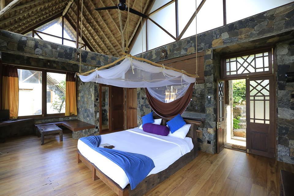 Invite-to-Paradise-Sri-Lanka-holiday-honeymoon-hotel-tea-plantation-boutique-room.jpg