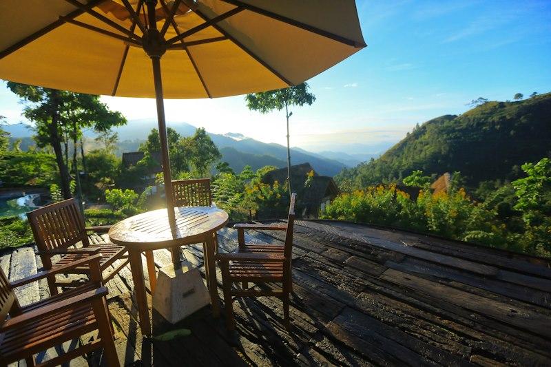 Invite-to-Paradise-Sri-Lanka-holiday-honeymoon-hotel-tea-plantation-boutique-view.jpg