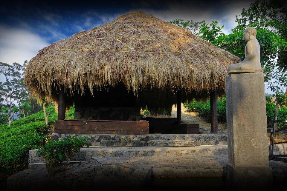 Invite-to-Paradise-Sri-Lanka-holiday-honeymoon-hotel-tea-plantation-boutique-reception.jpg