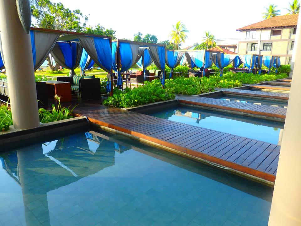 invite-to-paradise-customer-review-claire-simon-honeymoon-sri-lanka-dinner-2.jpg