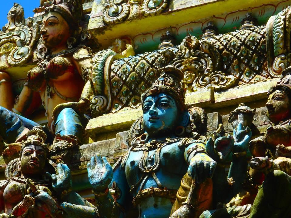 invite-to-paradise-customer-review-claire-simon-honeymoon-sri-lanka-temple.jpg