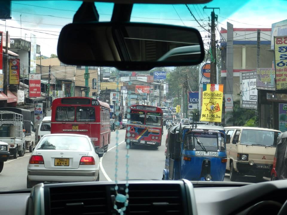 invite-to-paradise-customer-review-claire-simon-honeymoon-sri-lanka-roads.jpg