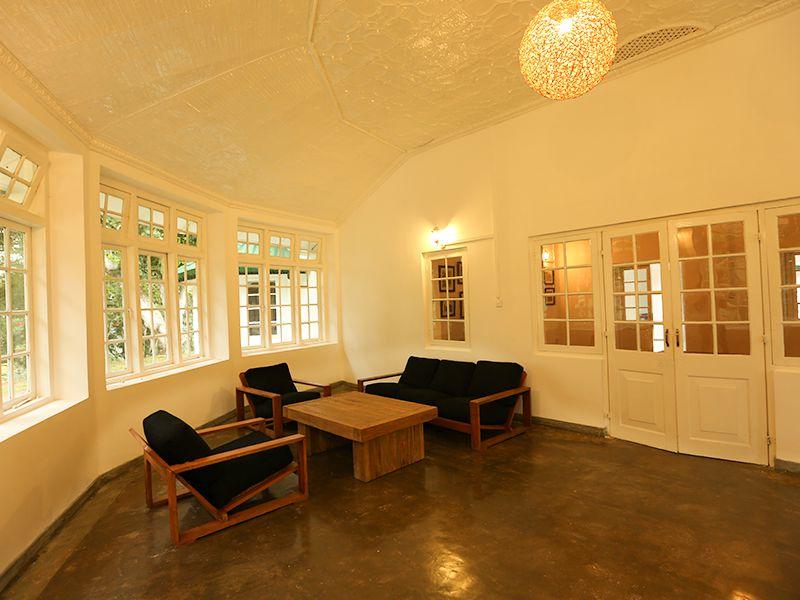 Invite-to-Paradise-Sri-Lanka-holiday-honeymoon-hotel-tea-plantation-boutique-the-secret-ella-lounge-area.jpg