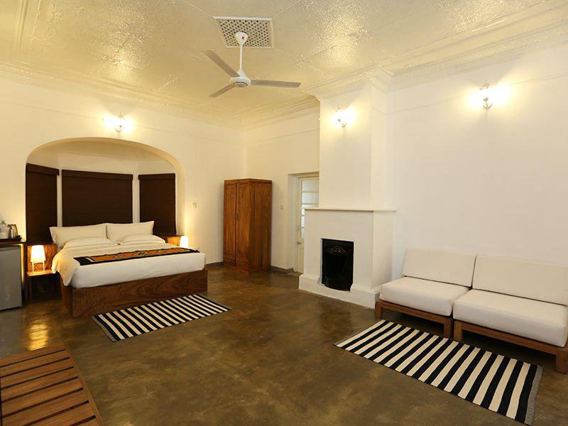 Invite-to-Paradise-Sri-Lanka-holiday-honeymoon-hotel-tea-plantation-boutique-the-secret-ella-room-2.jpg