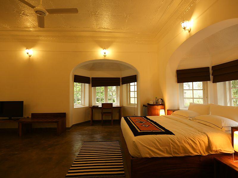 Invite-to-Paradise-Sri-Lanka-holiday-honeymoon-hotel-tea-plantation-boutique-the-secret-ella-room-3.jpg