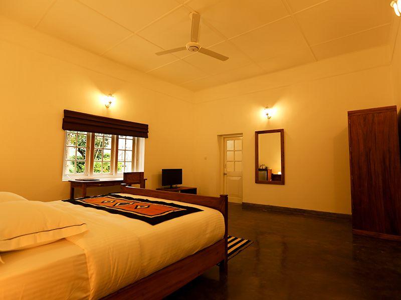 Invite-to-Paradise-Sri-Lanka-holiday-honeymoon-hotel-tea-plantation-boutique-the-secret-ella-room-11.jpg