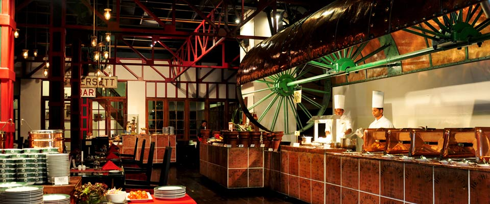 invite-to-paradise-sri-lanka-holidays-honeymoons-heritance-tea-plantation-hotel-tea-factory-kenmare-restaurant-1.jpg