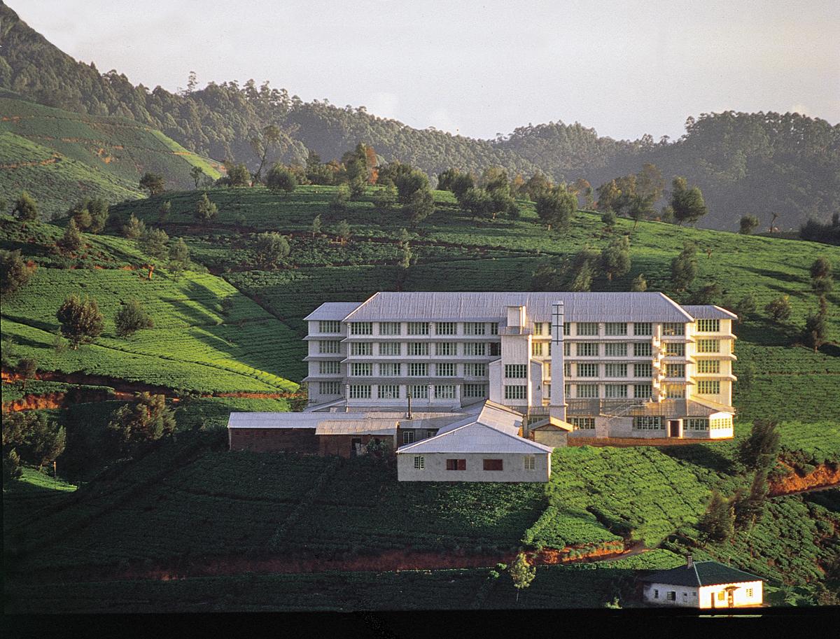 invite-to-paradise-sri-lanka-holidays-honeymoons-heritance-tea-plantation-hotel-tea-factory-2.jpg