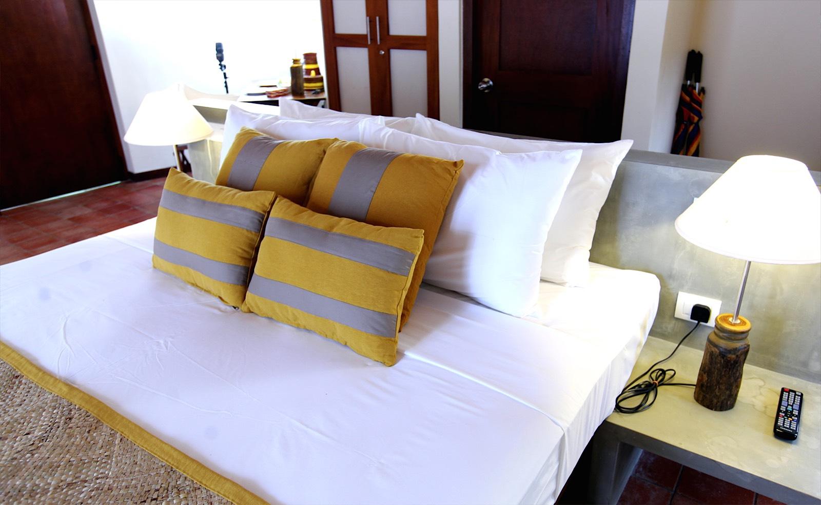 invite-to-paradise-holiday-honeymoon-sri-lanka-specialists-safari-lodge-cinnamon-wild-jungle-chalet-2.jpg