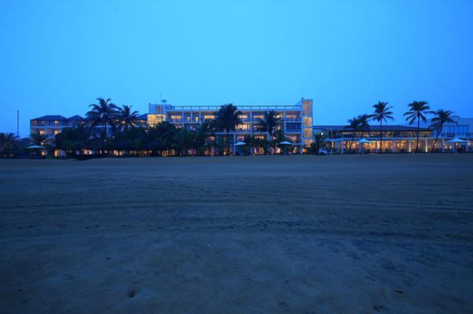 invite-to-paradise-sri-lanka-holiday-honeymoon-vacation-specialists -airport-hotel-negombo-beach-sea-beach-view.png