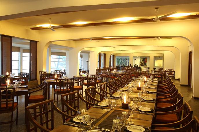 invite-to-paradise-sri-lanka-holiday-honeymoon-vacation-specialists -airport-hotel-negombo-beach-sea-dining-2.png