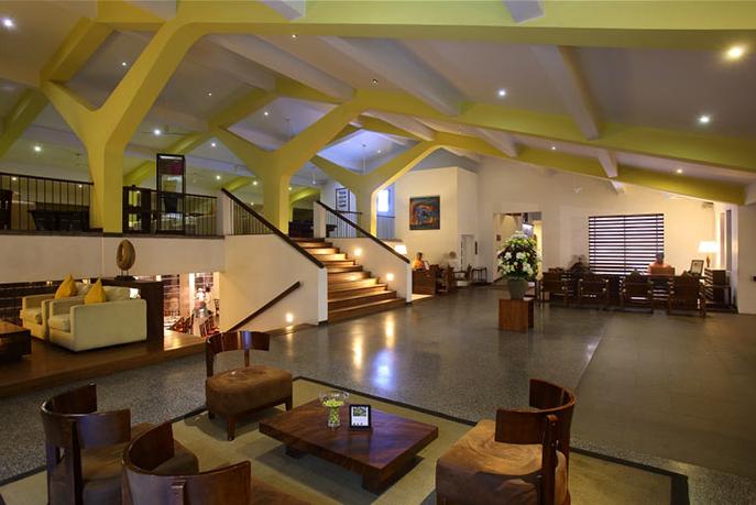 invite-to-paradise-sri-lanka-holiday-honeymoon-vacation-specialists -airport-hotel-negombo-beach-sea-lobby-2.png