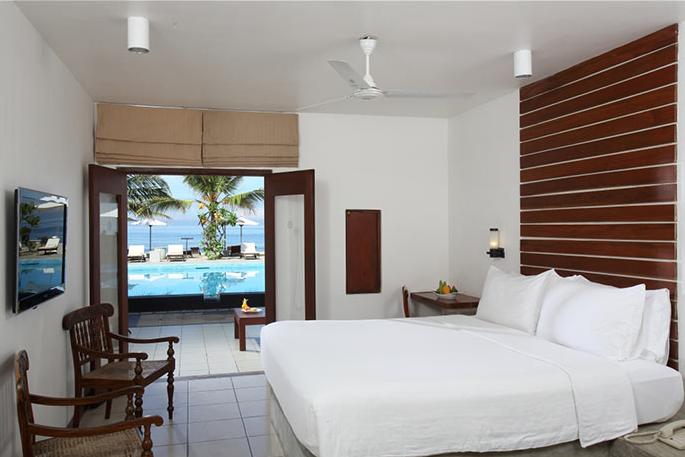 invite-to-paradise-sri-lanka-holiday-honeymoon-vacation-specialists -airport-hotel-negombo-beach-sea-room-2.png