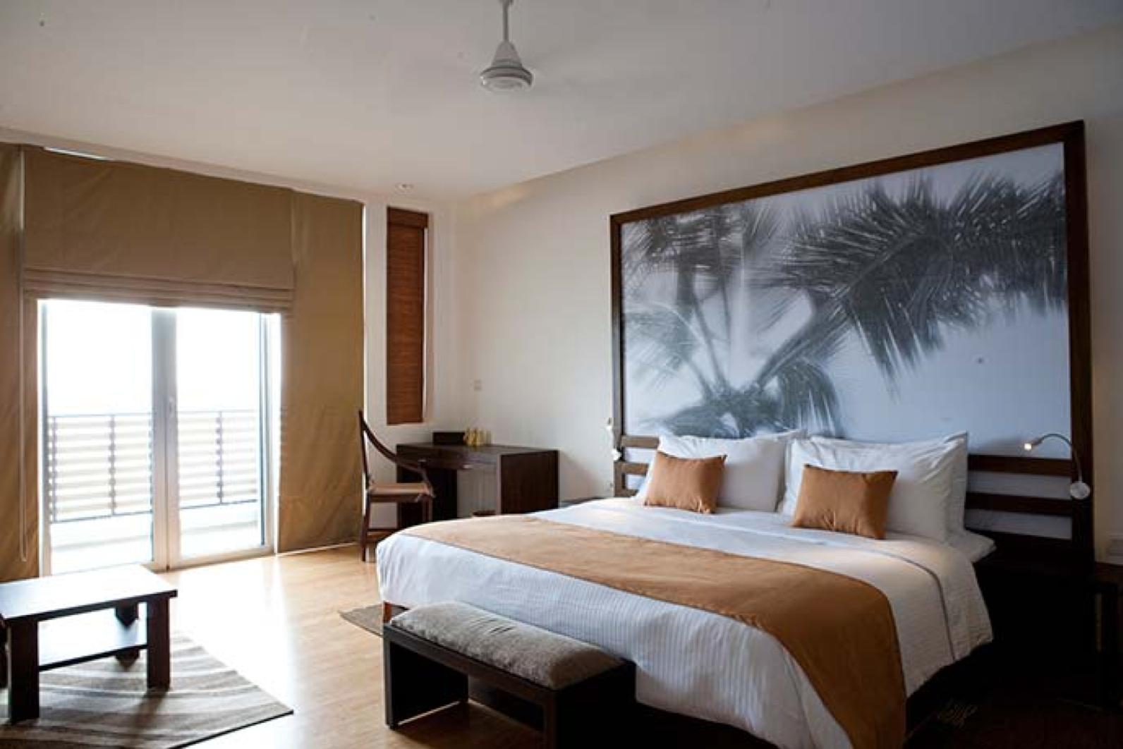 invite-to-paradise-sri-lanka-holiday-honeymoon-vacation-specialists -airport-hotel-negombo-beach-sea-room-1.png