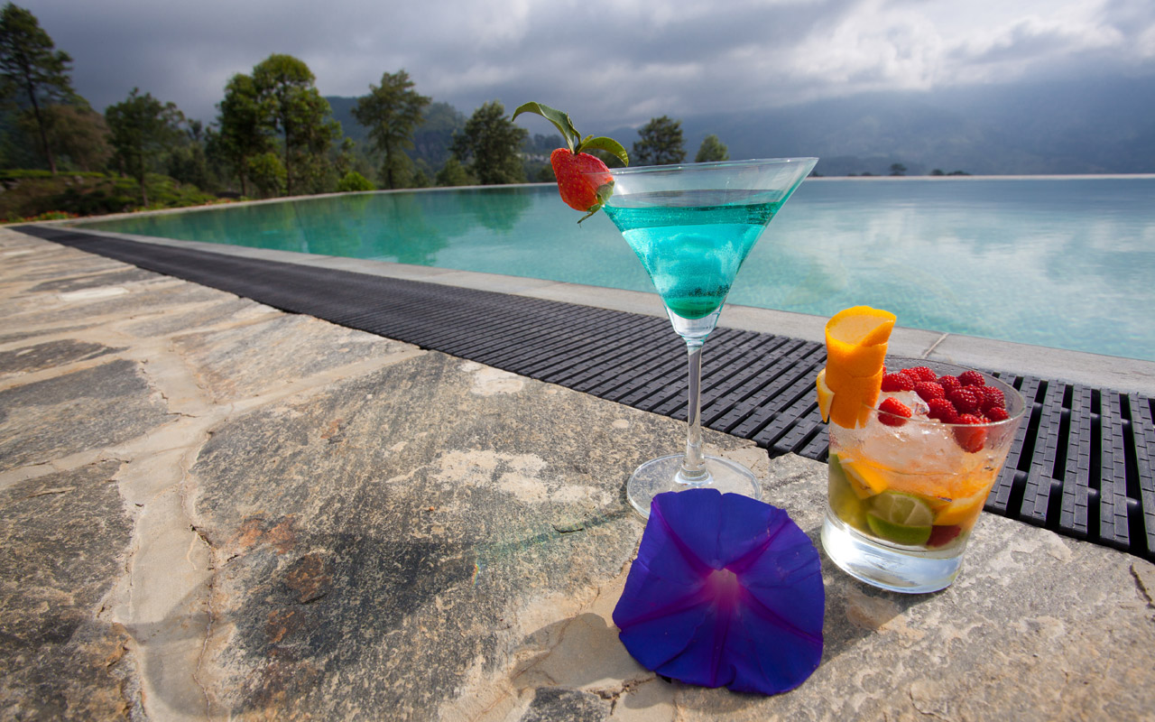 invite-to-paradise-sri-lanka-holiday-honeymoon-package-specialists-hotel-tea-plantation-boutique-madulkelle-kandy-infinity-pool-9.jpg