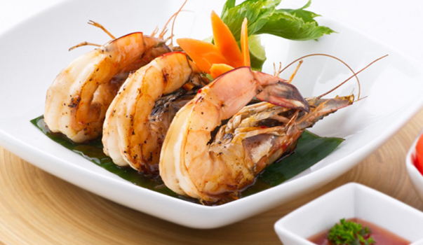 invite-to-paradise-sri-lanka-specialists-holiday-honeymoon-weddings-travel-agent-tour-operator-kandy-luxury-colonial-boutique-12-Delicious-Grilled-Prawns.jpg