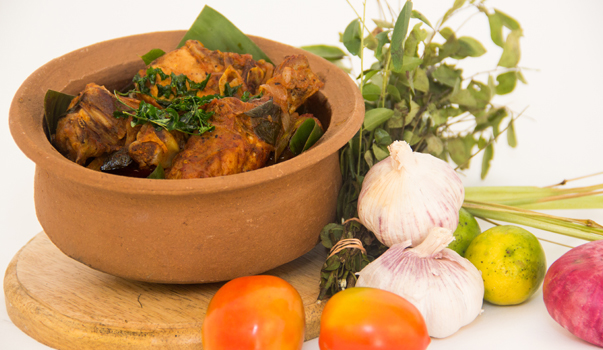 invite-to-paradise-sri-lanka-specialists-holiday-honeymoon-weddings-travel-agent-tour-operator-kandy-luxury-colonial-boutique-17-Sri-Lanka-Red-Chicken-Curry.jpg
