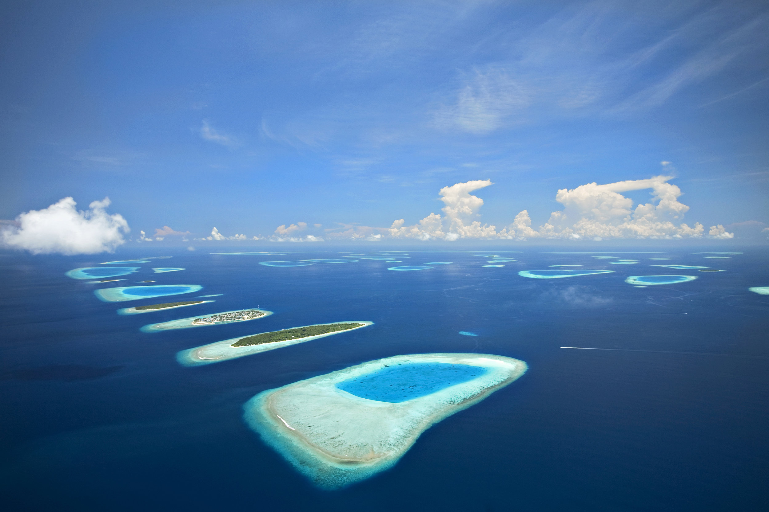 invite-to-paradise-maldives-holiday-honeymoon-packages-specialists-island-resorts.jpg