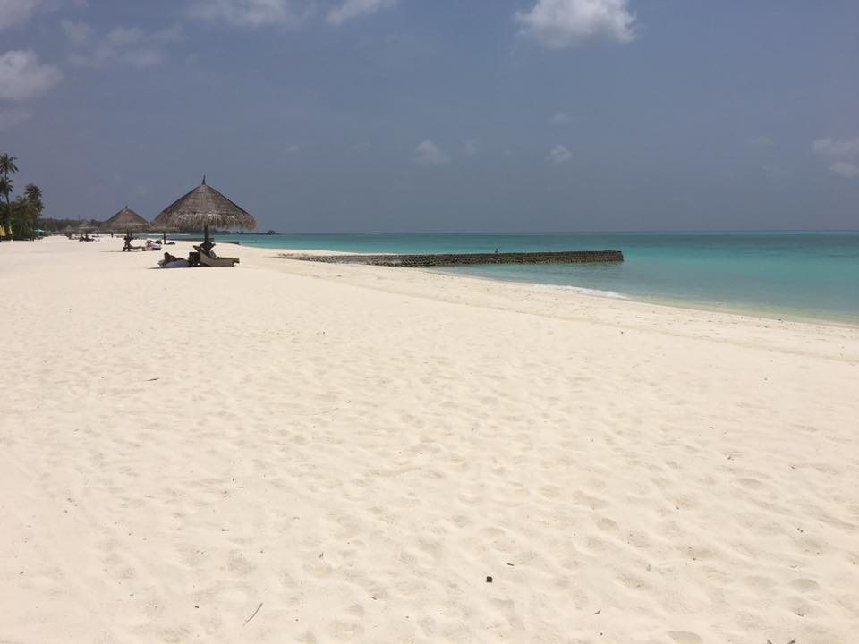 invite-to-paradise-sri-lanka-and-maldives-specialists-travel-agent-tour-operator-customer-review--feedback-joel-rhian-atmopshere-kanifushi-beach.jpg