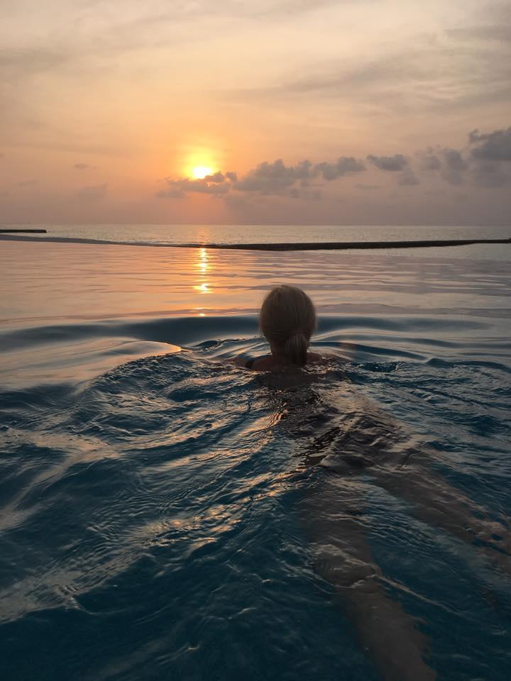 invite-to-paradise-sri-lanka-and-maldives-specialists-travel-agent-tour-operator-customer-review--feedback-joel-rhian-atmopshere-kanifushi-pool-3.jpg