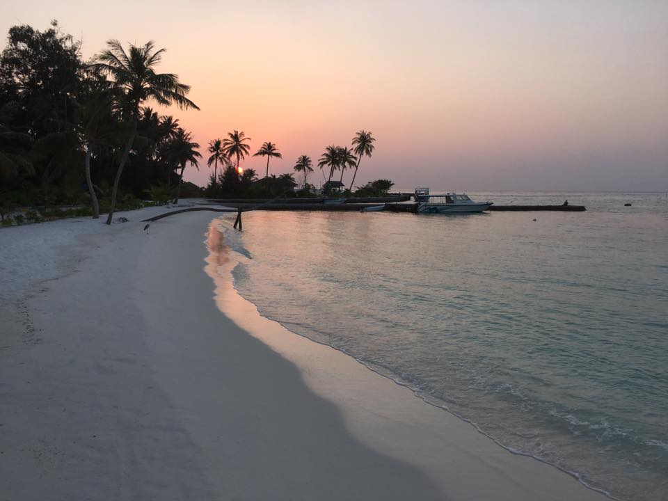 invite-to-paradise-sri-lanka-and-maldives-specialists-travel-agent-tour-operator-customer-review--feedback-joel-rhian-atmopshere-kanifushi-beach-sunset.jpg