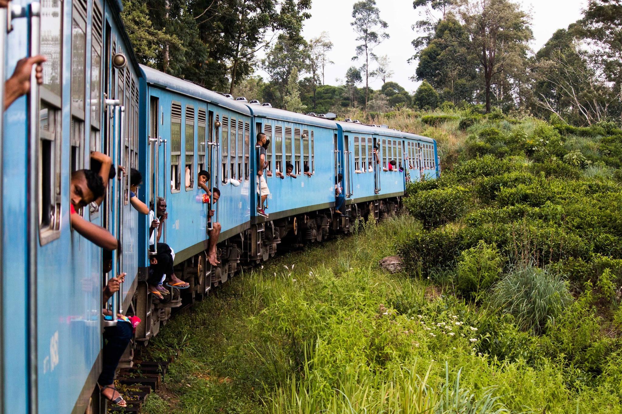 invite-to-paradise-sri-lanka-and-maldives-specialists-travel-agent-tour-operator-customer-review--feedback-joel-rhian-train-1.jpg