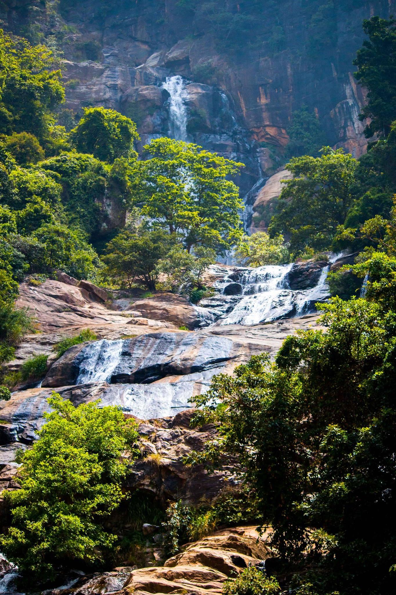 invite-to-paradise-sri-lanka-and-maldives-specialists-travel-agent-tour-operator-customer-review--feedback-joel-rhian-water-falls.jpg