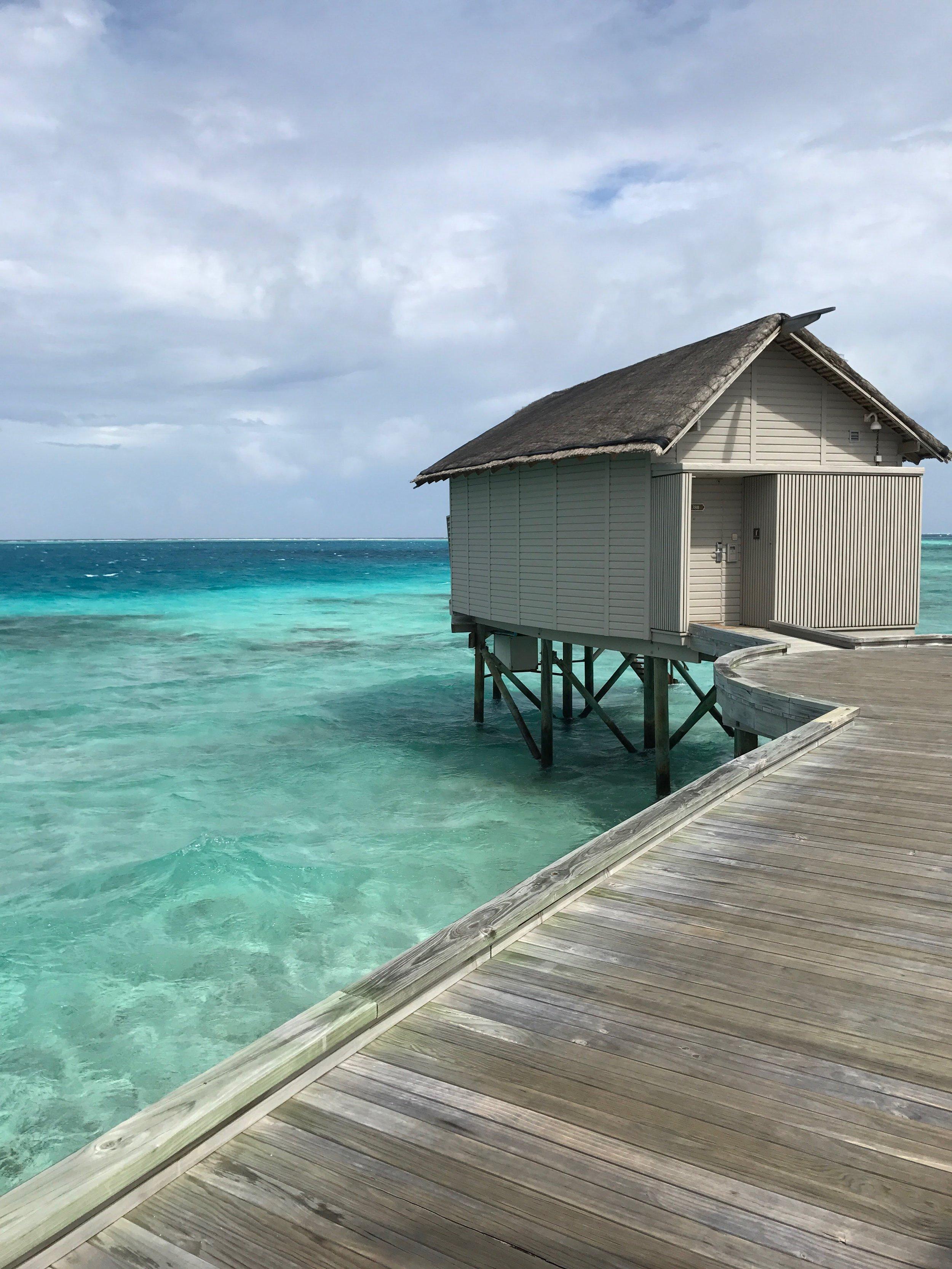 invite-to-paradise-maldives-sri-lanka-specialists-experts-travel-agent-tour-operator-customer-feedback-lucas-emily-fenning-elephant-orphanage-centara-ras-fushi-water-villa.jpg