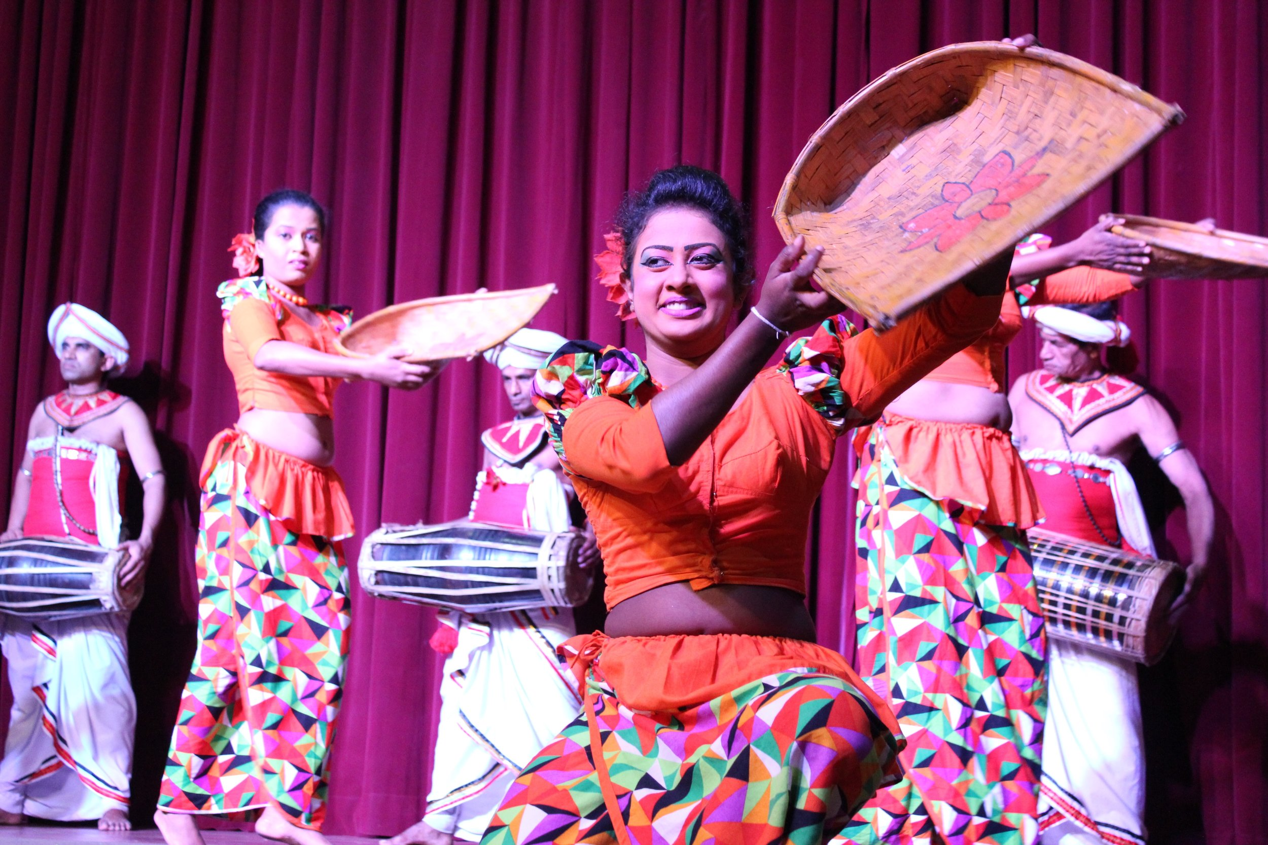 invite-to-paradise-sri-lanka-specialists-experts-travel-agent-tour-operator-kandy-cultural-dance-show-4.jpg